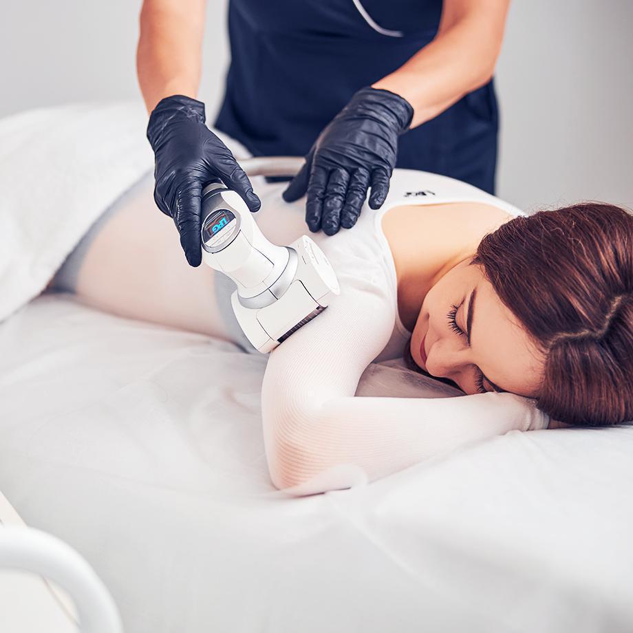Безопераційна ліпосакція та підтяжка тіла